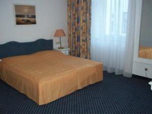 bedroom adlon vienna